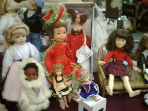 dollmenagerie